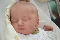 MARTIN STAROŇ se narodil 1. listopadu 2013 ve 3:14 hodin s váhou 3220 gramů. S rodiči Kateřinou Müllerovou a Tomášem Staroněm a s bráškou Míšou (4 roky) mají domov v Lachově.