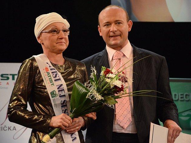 V náchodském Městském divadle Dr. Josefa Čížka volili Batist Nej sestřičku roku 2012.