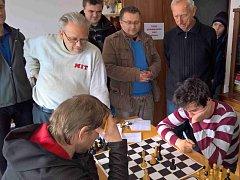 DRAMA u poslední partie utkání šachových družstev mezi Českou Skalicí a Dobruškou.