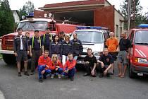 Členové Sboru dobrovolných hasičů Teplice nad Metují.