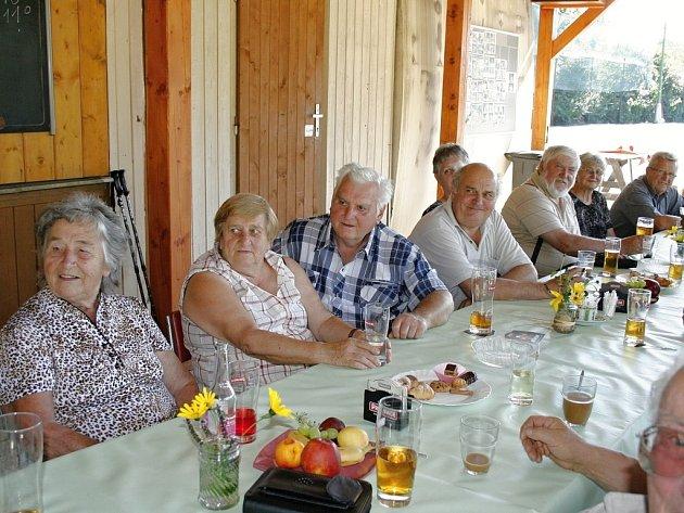 Setkání důchodců ve Vysokově.