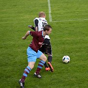 ZÁPAS v Ústí nad Orlicí se divizním fotbalistům Náchoda vůbec nepovedl. Svou slabší chvilku si v utkání vybral i Michael Moravec (v tmavém).