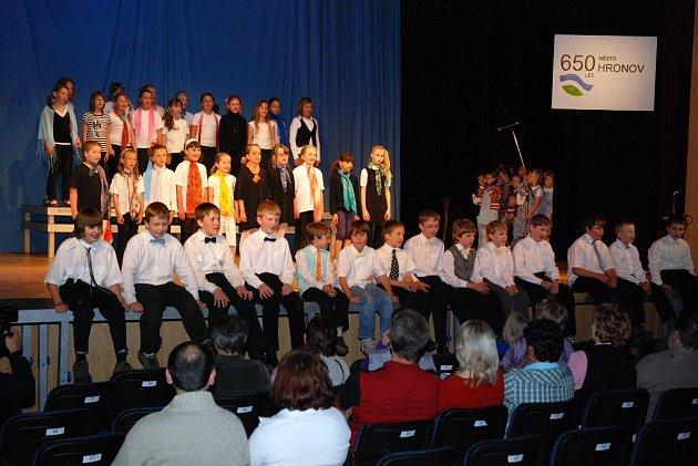 Žáci hronovské ZUŠ zakončili školní rok závěrečným koncertem.