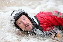 Vodáci si na Úpě zachraňovali kůži z vodního válce