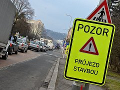 Rekonstrukce okružní křižovatky u Slávie v Náchodě.