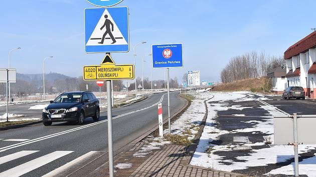 Na hranicích je zatím klid. V dalším týdnu se ale může situace na česko-polské hranici změnit. Uvedl to v sobotu pro polskou rozhlasovou stanici RadioZET tamní ministr zdravotnictví Adam Niedzielski.