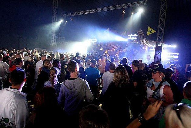Premiéra české verze hudebního festivalu Pleasure Island se v Hradci Králové vydařila. Festival se konal o uplynulém víkendu.