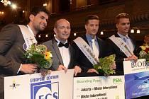Na snímku uprostřed s pořadatelem soutěže Davidem Novotným Muž roku 2013 Antonín Beránek. Na druhém místě skončil Adam Nitschmann z Ostravy (zcela vpravo) a na třetím Tomáš Barthell z Chebu (zcela vlevo).