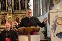 MONS. TOMÁŠ HOLUB se stal 12. února nejmladším biskupem u nás. Kázat bude v Plzni.