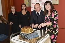David Novotný a Soňa Marková dostali narozeninový dort.