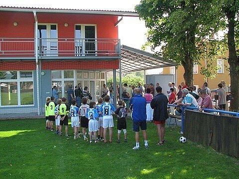 Na stadiónu broumovských fotbalistů bylo  oficiálně otevřeno nedávno dobudováno sportovní středisko.