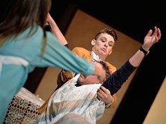 Divadelní soubor Broumov se představil v Městském divadle novou hrou