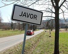 MÍSTO ČINU. Přibližně 50 metrů od cedule Javor došlo k incidentu, který útočník zaplatil životem.