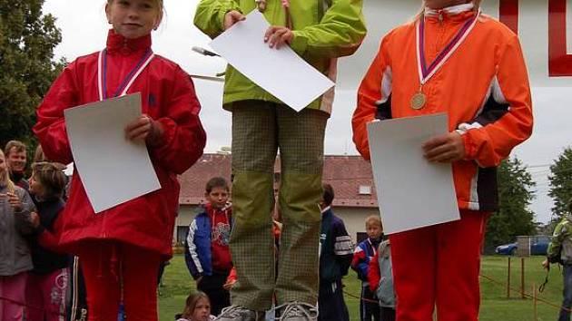 Mezi mladšími žákyněmi zvítězila Kateřina Hejčlová, druhá skončila Patricie Ruferová a třetí Kateřina Jermanová.