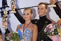 Tereza Řehořová z Police nad Metují a její slovenský taneční partner Filip Cipár se stali vicemistry Slovenska v 10 tancích. Tereza se učila své první taneční krůčky v klubech našeho regionu.