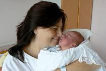 ARTUR BÍLÝ se narodil 8. září 2011 v 5:32 hodin s délkou 50 cm a váhou 3,440 kg. S rodiči Mirkou a Arturem, a se sourozenci Vojtou (12) a Matyášem (7), má domov v České Skalici.
