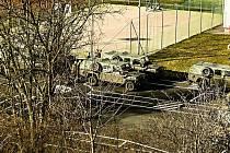 Od pondělí 16. března jsou v tělocvičnách ZŠ Náchod - Plhov ubytování vojáci, kteří dohlížejí na režim na česko - polské hranici.