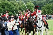 Bitevní ukázku připomínající krvavé události prusko-rakouské války roku 1866, která tehdy silně poznamenala region Náchodska a Hradecka a nesmazatelně se zapsala do zdejších dějin, si v sobotu připomněli ve Vysokově.