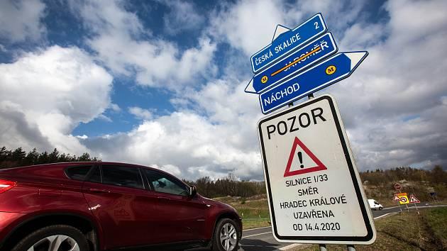 Rekonstrukce silnice I/33 v úseku obchvatu České Skalice.