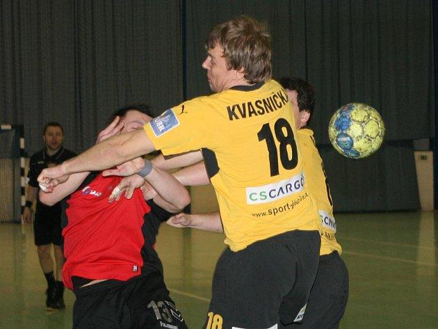 Do tvrdé a neprostupné jičínské zdi jménem Kvasnička narazil domácí Patrik Šnajdr.