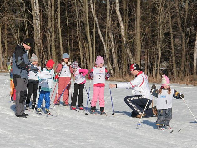 K závodům do Machova nakonec dorazilo dvaadvacet vyznavačů klasického lyžování všech věkových kategorií.