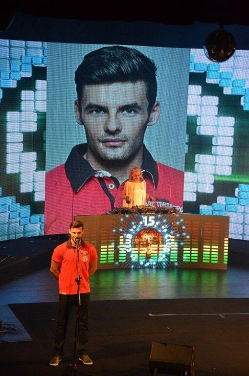 Z finále soutěže Muž roku 2014, které se konalo v pátek večer v náchodském městském divadle.