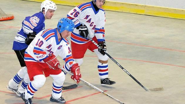 Hokejbalisté NA Rangers Hronov si v domácím prostředí s chutí zastříleli a Heřmanův Městec vyprovodili devíti góly.