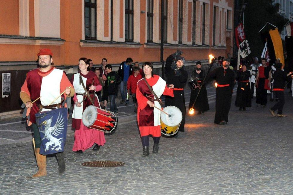 U příležitosti 650 let od první písemné zmínky o městě se konaly středověké slavnosti s názvem Vivat Caroli!