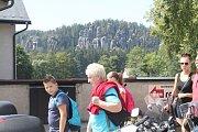 Polský svátek způsobil invazi, výletníci brali skalní města útokem