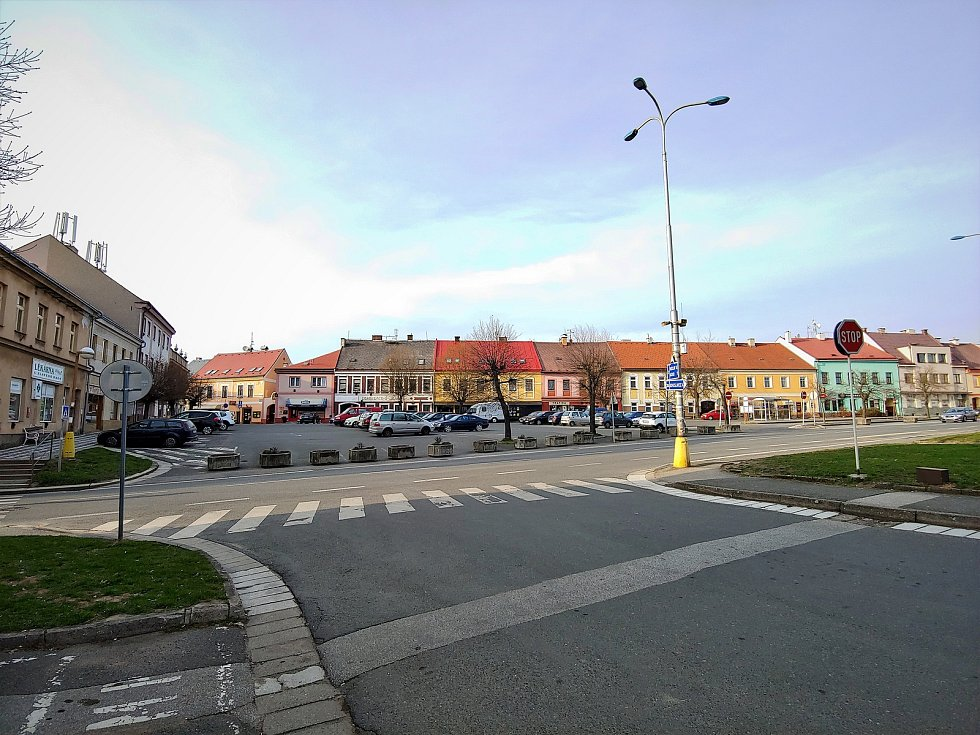 Husovo náměstí v České Skalici.