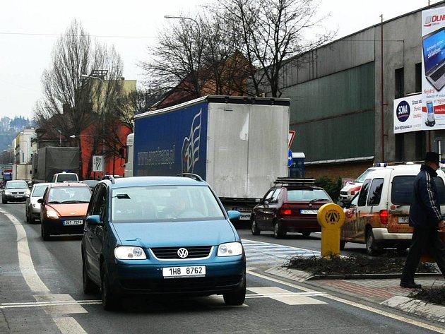 Neutěšená dopravní situace v Náchodě.