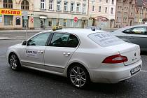 Zájem o službu senior taxi v Červeném Kostelci roste.