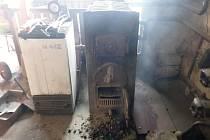 Vypadla část kouřovodu. Zdálo se, že hoří dům.