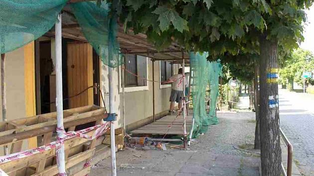 V plném proudu je rozsáhlá rekonstrukce budovy Základní školy ve Studnici.