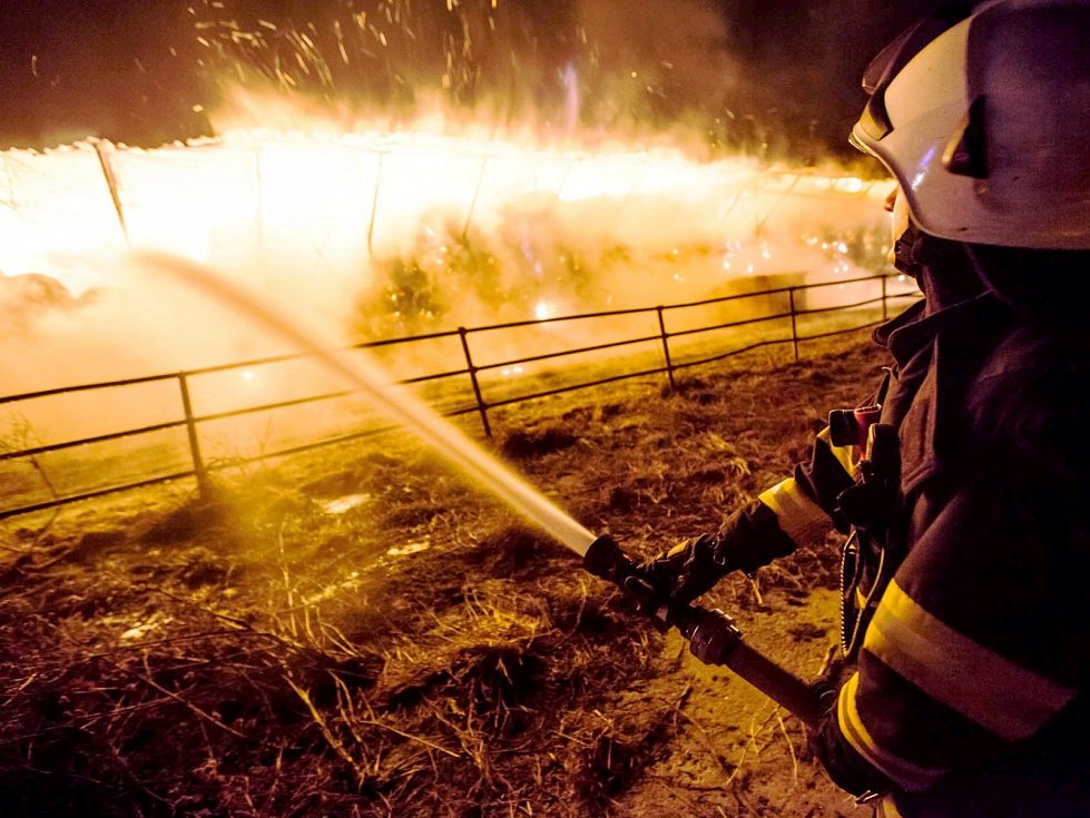 Škoda po požáru v Bohuslavicích odhadnuta: Plameny sežehly dva a půl milionu korun