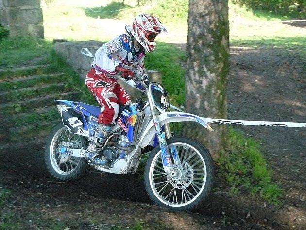 Radovan Míl junior sbíral cenné zkušenosti jak v motokrosu, tak v enduru, nyní jede reprezentovat republiku do Finska.