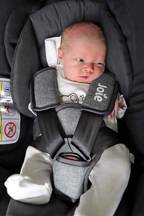Anna Dušková z Červeného Kostelce je prvním děťátkem Jany Krutilové a Jana Duška. Holčička přispěchala na svět 14. září 2019 ve 13,09 hodin a její míry byly 2875 gramů a 48 centimetrů.