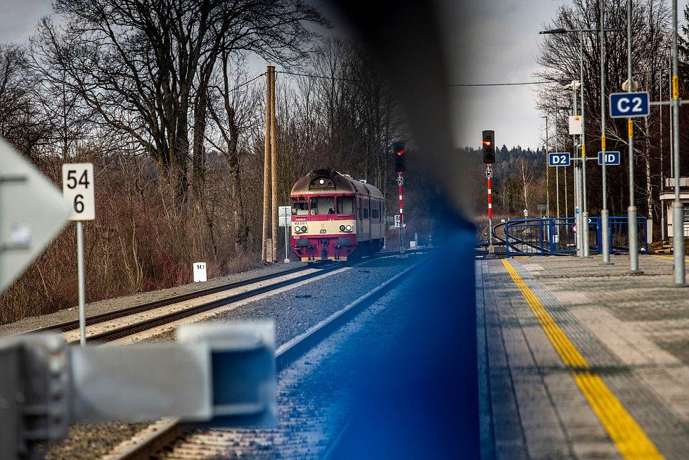 Osobní železniční doprava na Náchodsku.