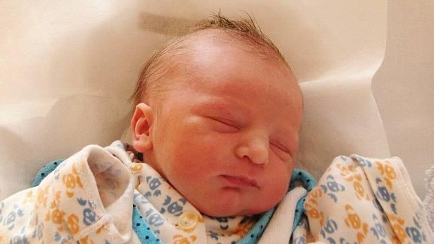 TOMÁŠ KONRÁD přišel na svět 15. prosince 2010 v 0:11 hodin s délkou 50 cm a váhou 3,30 Kg. S rodiči Klárou a Lukášem má domov v Náchodě.