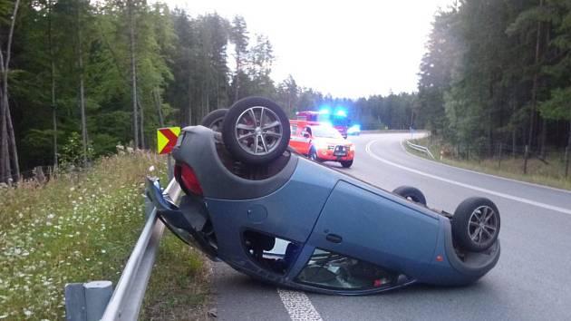 Havárie osobního automobilu v úseku zvaném Pasa.