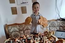 Syn Josífek a houbový úlovek.