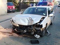 Hasiči spěchali k nehodě tří aut