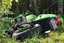 Dopravní nehoda motorkáře v Červeném Kostelci.