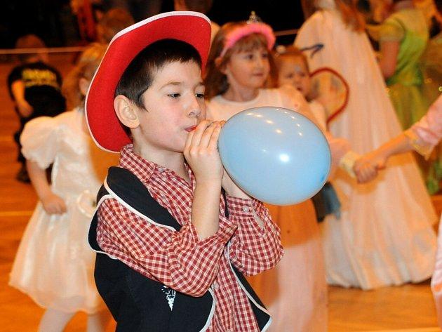 Karneval v Červeném Kostelci.