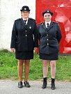 BOŽANOVSKÝM HASIČŮM VLÁDNOU ŽENY. Starostkou sboru je Jindra Rejchrtová (vlevo) a velitelkou výjezdové skupiny Hana Wilkeová.