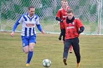 V posledním přípravném utkání před jarní částí divize C náchodští fotbalisté porazili lídra krajského přeboru z Libčan 4:2. Martin Malý (č. 12) tentokrát gólově mlčel.