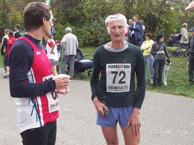 Republikového  mistrovství by se mohl zúčastnit i novoměstský běžec Jiří Libra (vpravo).