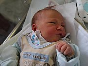 VOJTĚCH BAKEŠ z Broumova se narodil 21. listopadu 2016 v 5.56 hodin. Chlapeček vážil 3735 gramů a měřil 52 centimetrů. Radují se z něho rodiče Veronika Pánová a Martin Bakeš.