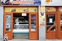 Výbuch stroje na výrobu zmrzliny vyděsil majitele cukrárny i kolemjdoucí v sobotu dopoledne.