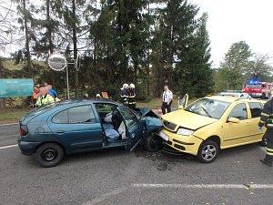 Hasiči poskytli pomoc dvěma zraněným.